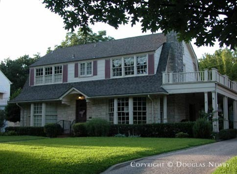 Residence in University Park - Caruth Hills Home on Bryn Mawr