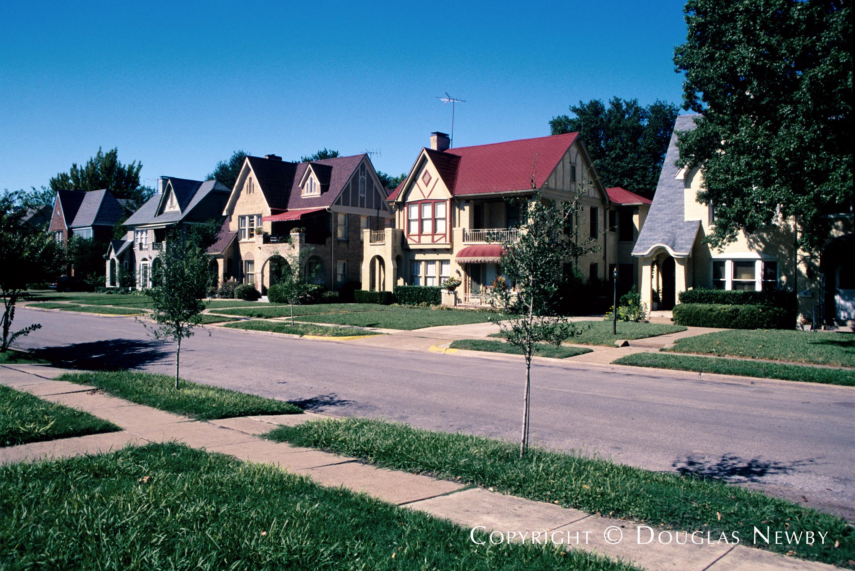 University Park Architecturally Significant Duplex In University Park Neighborhood Normandy Duplex On Normandy Block Dallas Texas
