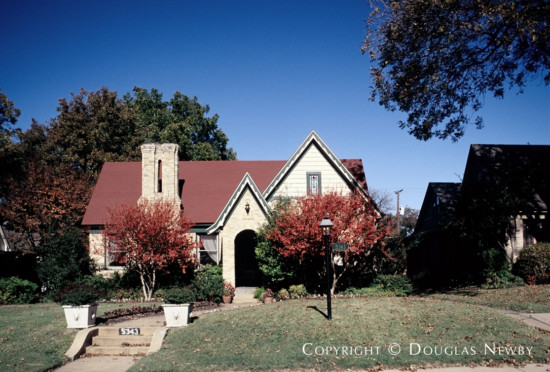 Significant House in East Dallas - Greenland Hills Home on Morningside