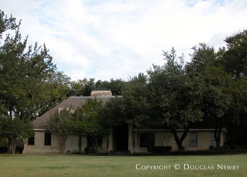 Home in Preston Hollow - Lobello Home