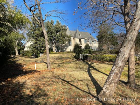 Estate Home at 4255 Cochran Chapel Road