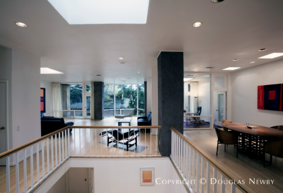 Modern House Designed by Architect Bill Booziotis - 4673 Christopher Place