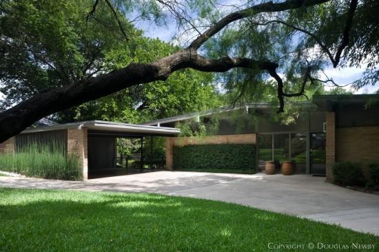 Mid-Century Modern Home Designed by Architect Joseph Gordon - 7019 Delrose Avenue