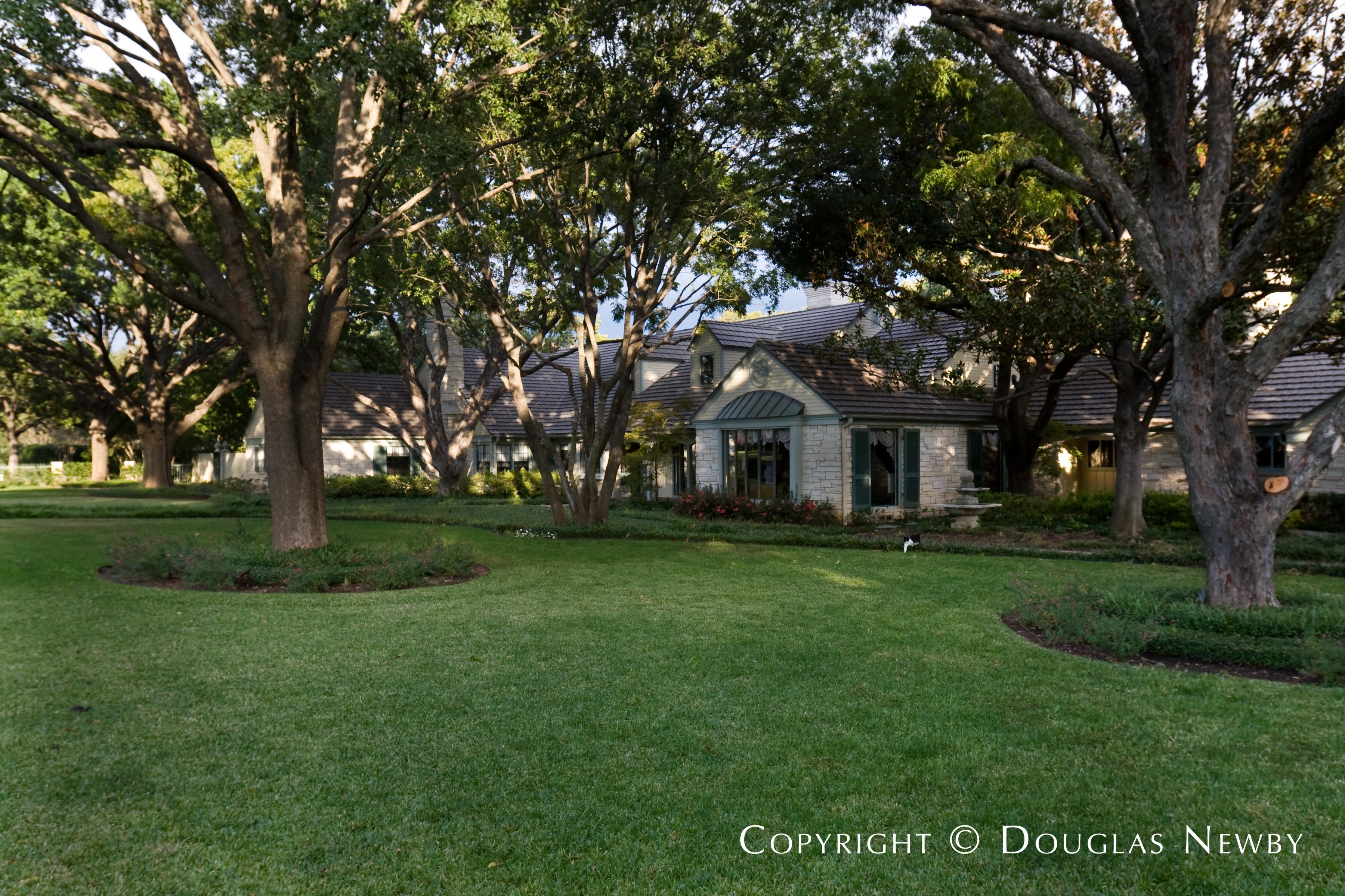 Architect Yoakum & Perkins Designed Home in Preston Hollow