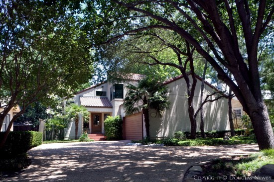 Home in Highland Park - 3824 Mockingbird Lane