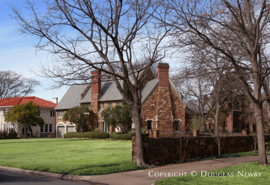 Home Designed by Architect Fonzie E. Robertson - 5541 Nakoma Drive