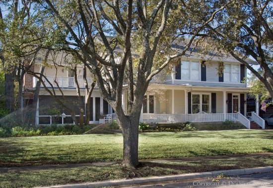 Residence in Highland Park - 3705 Euclid Avenue