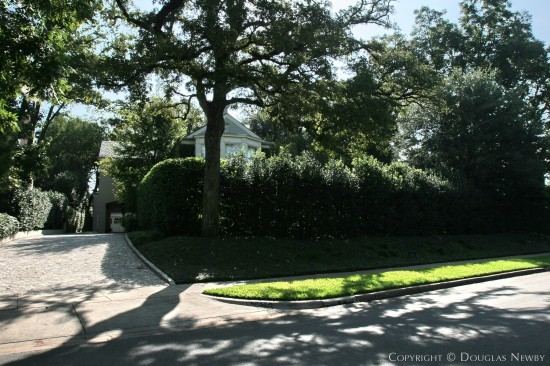 Real Estate in Highland Park - 4604 Lakeside Drive