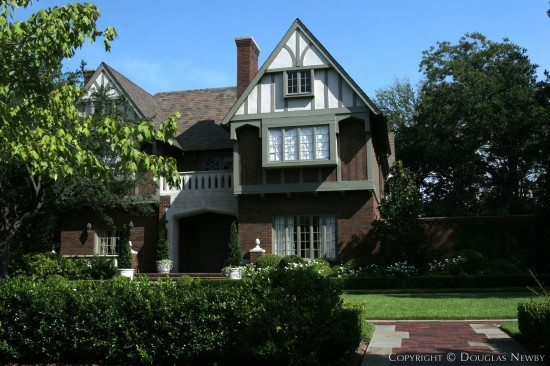 Residence in Highland Park - 3836 Stratford Avenue