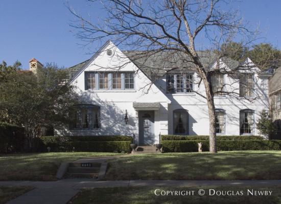 Residence in Highland Park - 4440 Fairfax Avenue