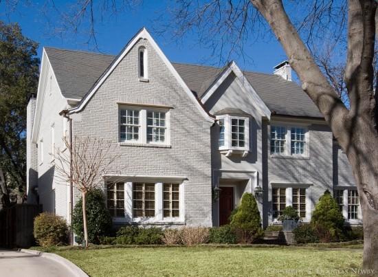 House in Highland Park - 4428 Fairfax Avenue