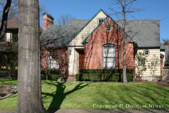 Residence Designed by Architect Hal O. Yoakum - 4536 Lorraine Avenue