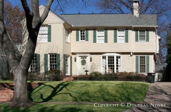 House Designed by Architect Hal O. Yoakum - 4548 Lorraine Avenue
