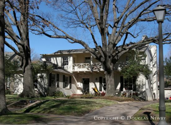 Residence Designed by Architect Hal O. Yoakum - 4532 Lorraine Avenue