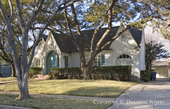 Home in Highland Park - 4516 South Versailles Avenue