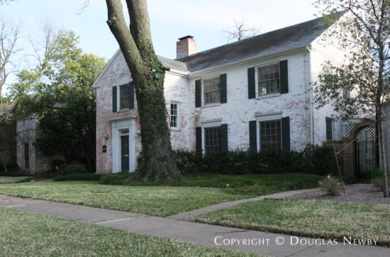 Home Designed by Architect Goodwin & Tatum - 4551 Fairway Avenue