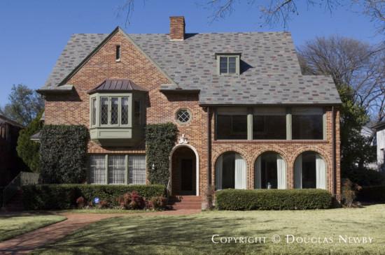 Residence Designed by Architect Fooshee & Cheek - 4428 Westway Avenue