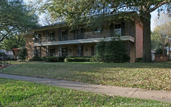 Residence in Highland Park - 4444 Westway Avenue