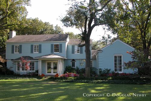 Residence in Preston Hollow - 5418 Edlen Drive