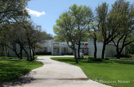 Estate Home in Bluffview Area - 4130 Cochran Chapel Road
