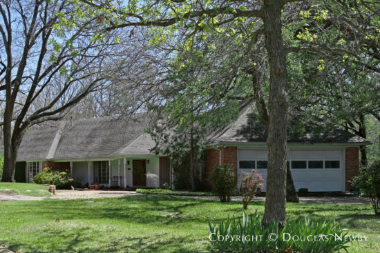 Estate Home in Bluffview Area - 4040 Cochran Chapel Road