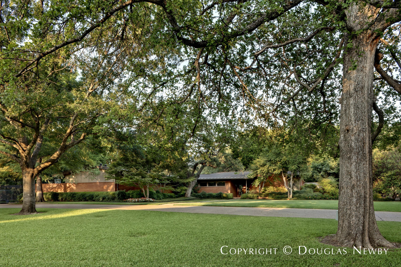 Max M. Sandfield Mid-Century Modern Designed Home in Mayflower Estates