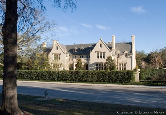 Estate Home in University Park - 6700 Turtle Creek Boulevard