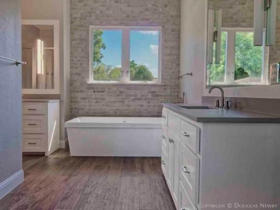 Munger Place Bathroom