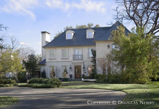 Residence in University Park - 4021 Glenwick Lane