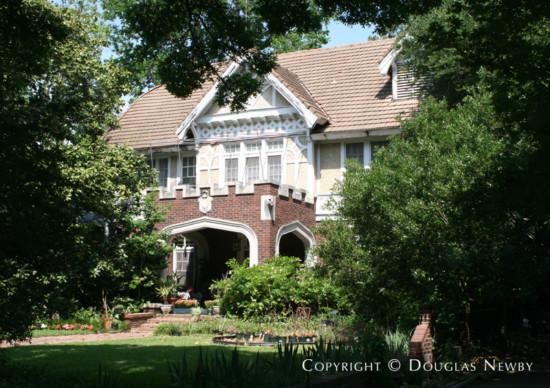 Real Estate in Swiss Avenue - 4915 Swiss Avenue