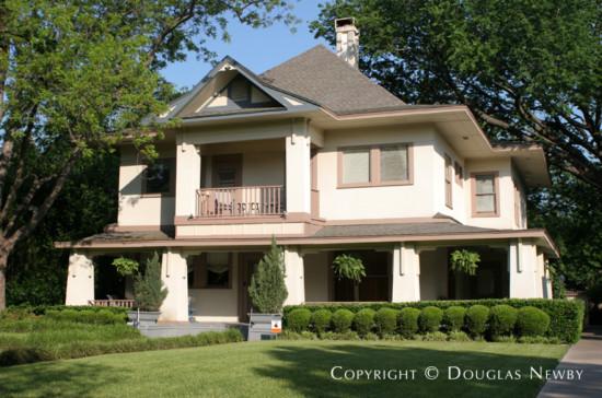 Home in Swiss Avenue - 4938 Swiss Avenue