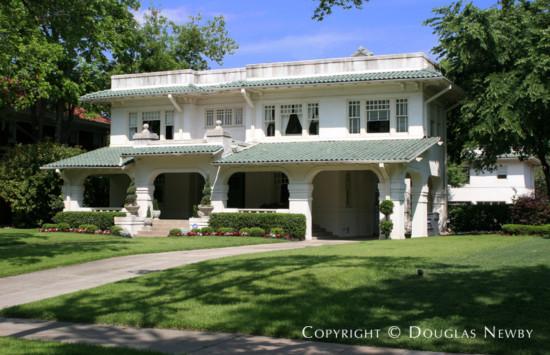 Residence in Swiss Avenue - 5611 Swiss Avenue