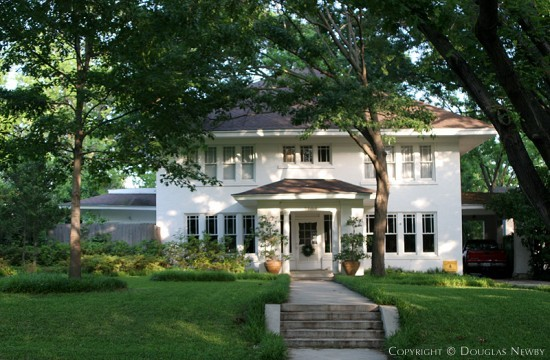 Real Estate in Swiss Avenue - 5704 Swiss Avenue