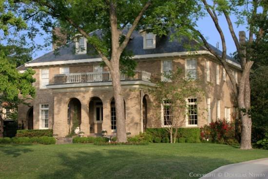 Residence in Swiss Avenue - 5916 Swiss Avenue