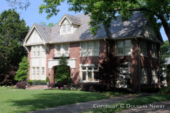 Real Estate in Swiss Avenue - 6011 Swiss Avenue