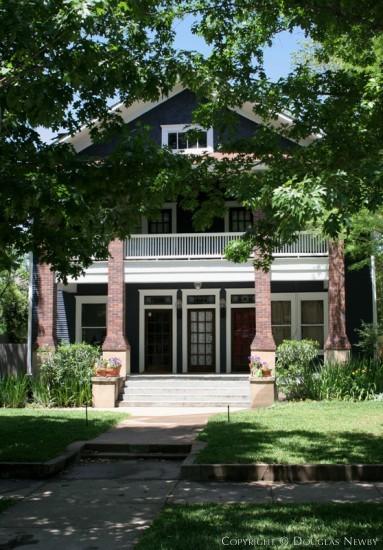 Duplex in Munger Place - 4919 Tremont Street