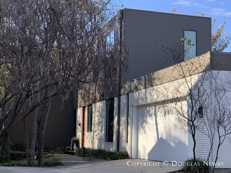Designed by architect Bang Dang of Far+Dang Architects, 47 Vanguard Way, Modern House of Urban Reserve Neighborhood in East Dallas