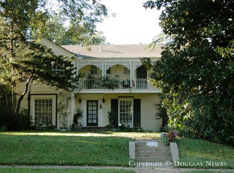 House Designed by Architect Christensen & Christensen - 7239 Lakewood Boulevard